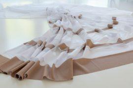 Kész függöny hófehér alapon Jacquard barna 300x180cm