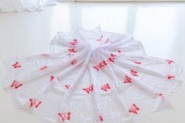 Kész függöny  fehér piros lepkés 300x180cm