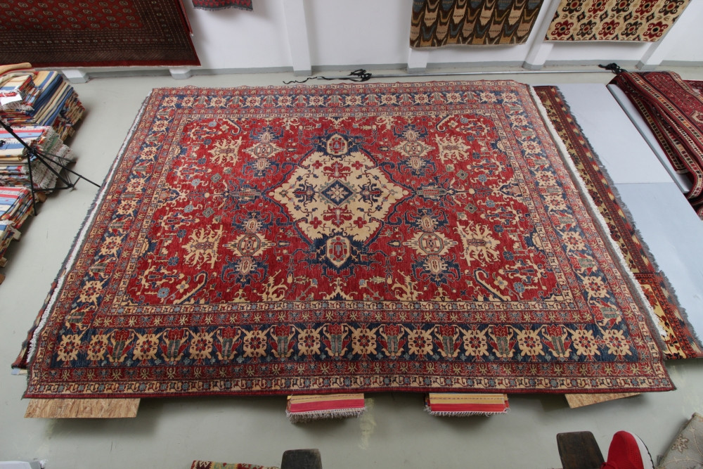 Kazak kézi csomózású nagyméretű gyapjú perzsa szőnyeg 548x424cm