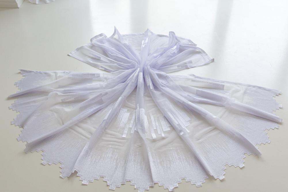 Kész hófehér alapon fehér parketta mintás 500x180cm függöny