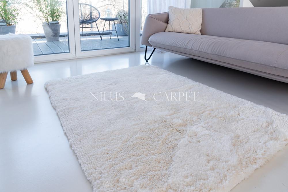 Super plüss white (törtfehér) 40x70cm